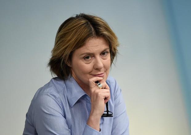 Ministro Beatrice Lorenzin Obbligo Defibrillatori Sport